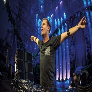 Armin van Buuren live at A State Of Trance 900